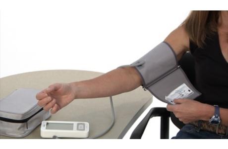Cómo tomar la presión arterial en el hogar