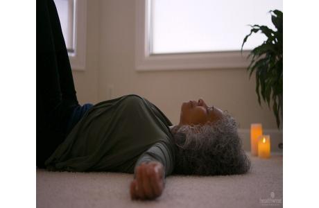 Manejo del estrés: Relajación muscular progresiva (subtitulado)
