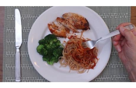Cómo preparar comidas con menos sodio