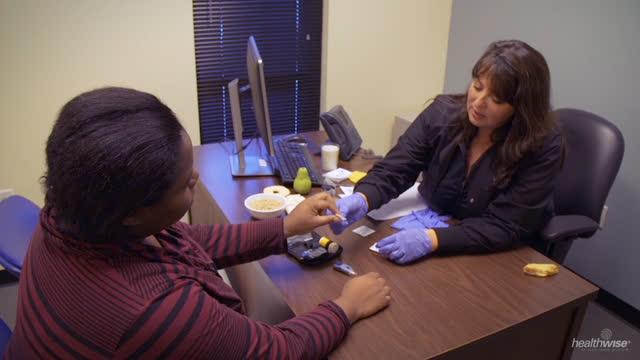 Diabetes gestacional: Cómo medir el azúcar en la sangre (subtitulado)