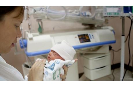 La NICU: Cómo prepararse para llevar a su bebé a casa (subtitulado)
