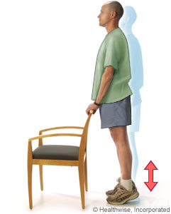 Un hombre realizando elevaciones del talón