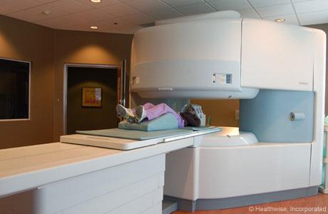 Máquina de MRI abierta