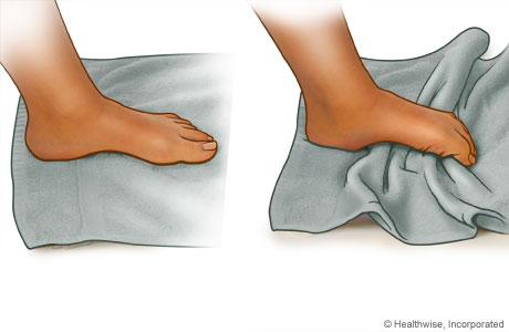 Ejercicio de rollo de toalla para el pie